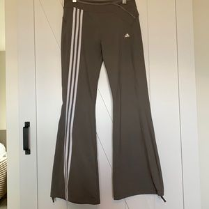 Adidas flare cinch leg taupe/brown track pant y2k